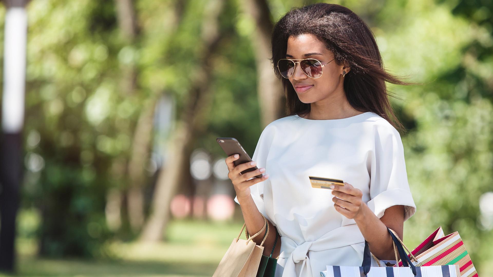 consumer-customer-mobile-shopping-ss-1920