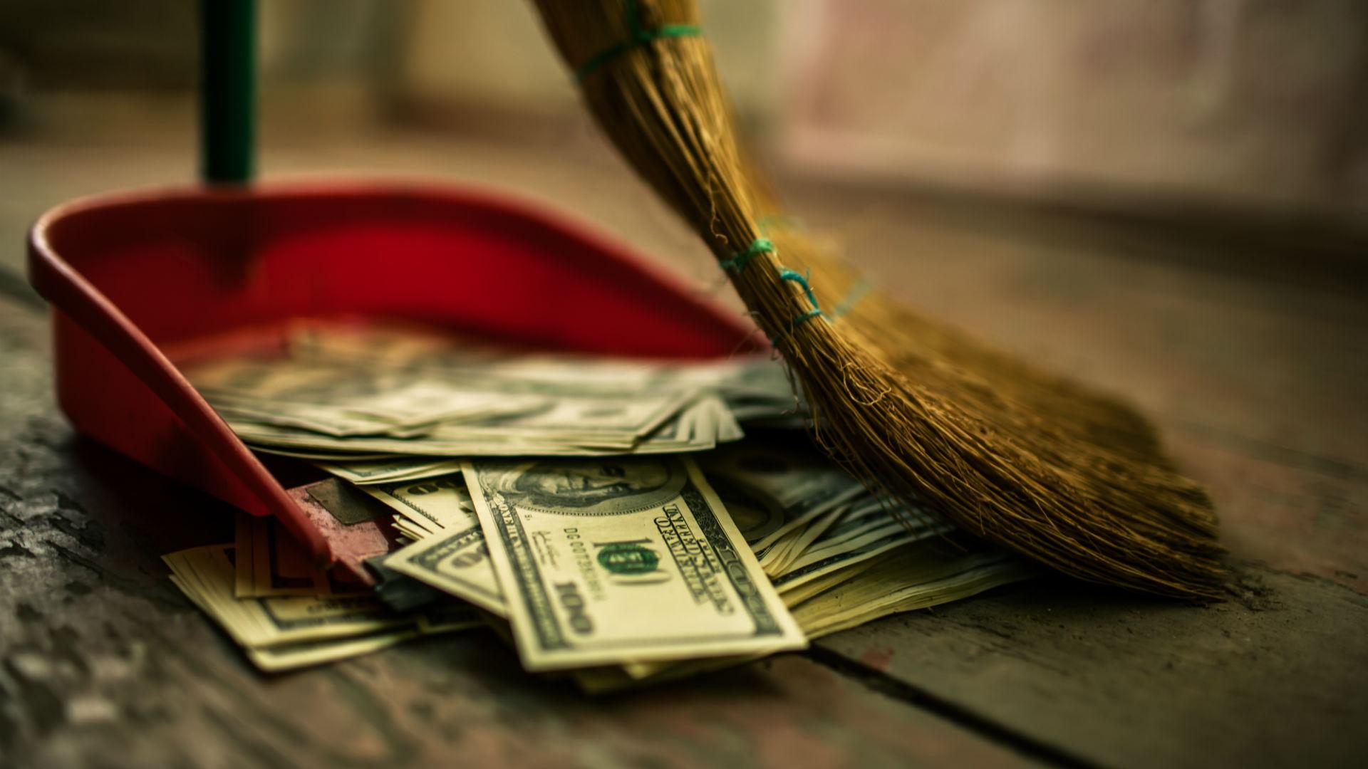 money-garbage-throw-away-ss-1920