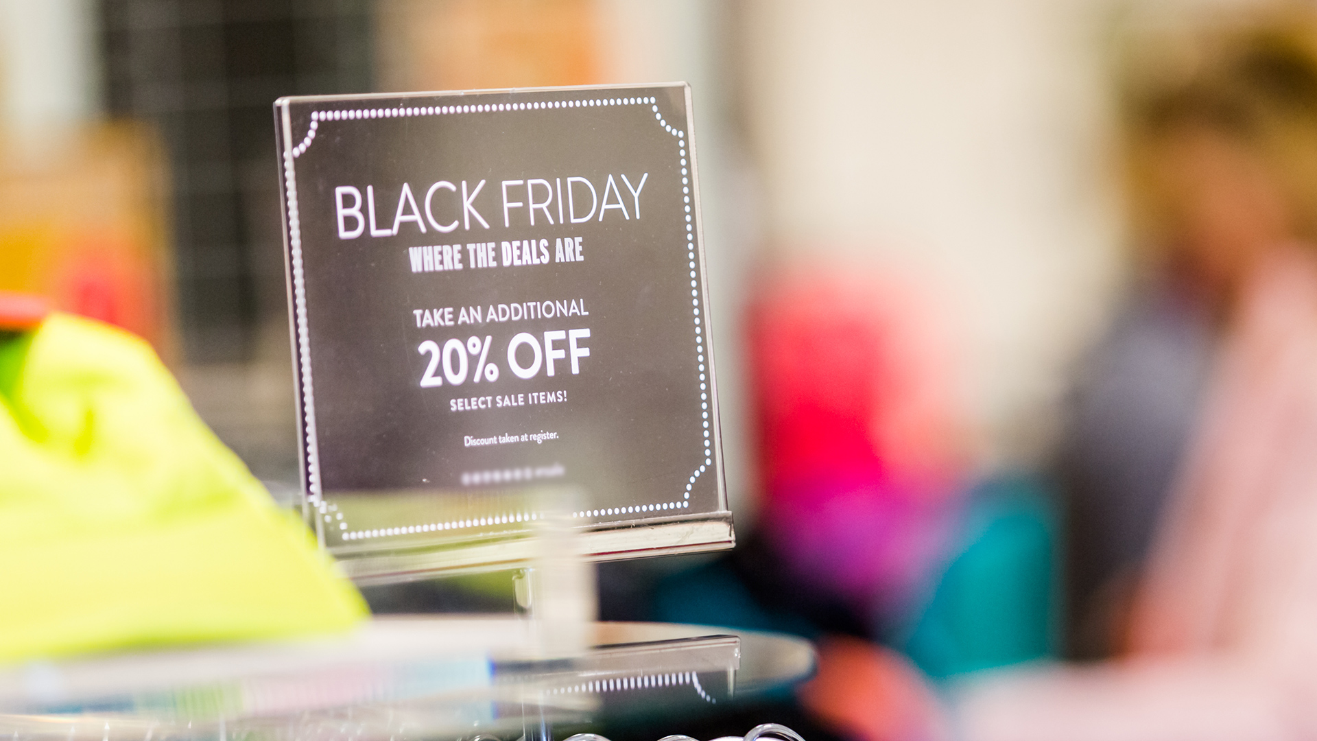 black-friday-store-shopping-ss-1920