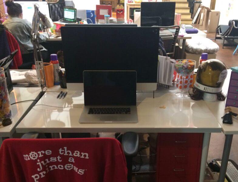 goldieblox-desk